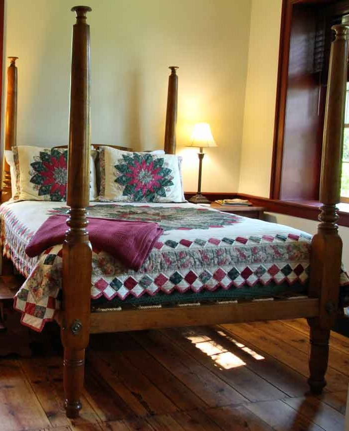 Brownstone Colonial Inn Bed and Breakfast, Reinholds PA - Specials