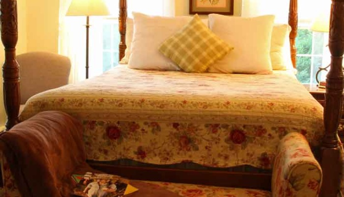 Hillside Farm Bed and Breakfast, Mt. Joy - Specials