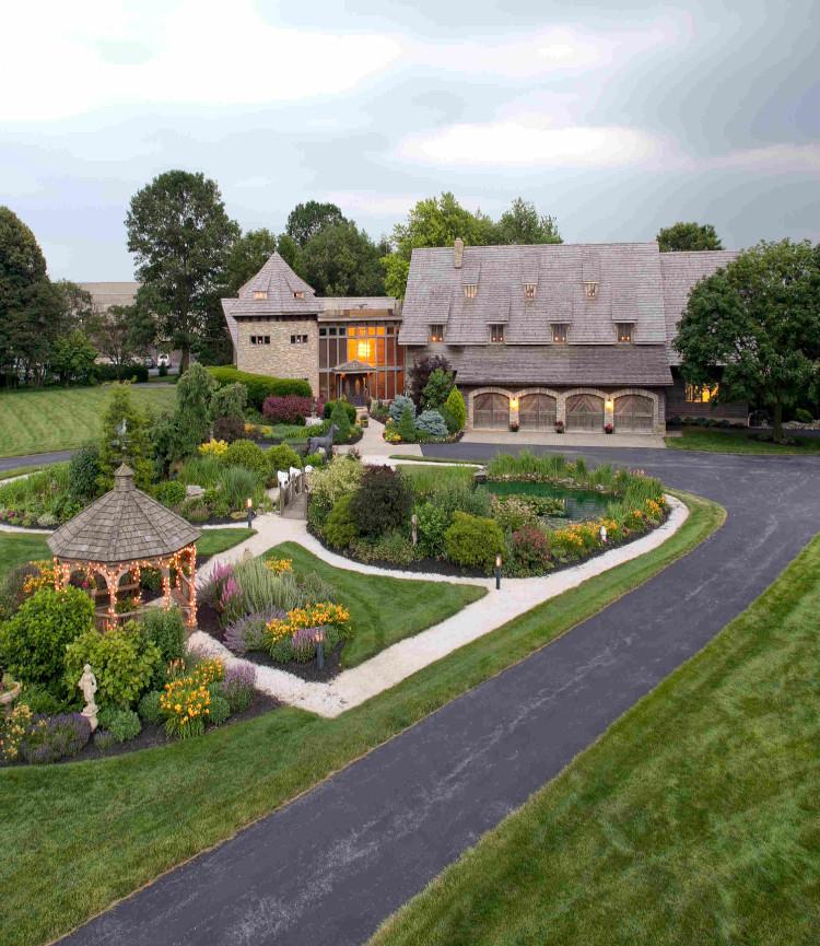 Twin Pine Manor Bed & Breakfast - Amenities